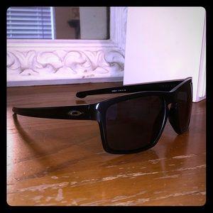 Matte black Oakley sunniesss!!
